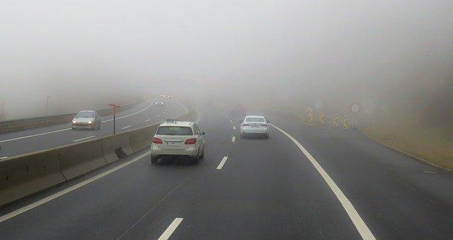 Vliv teploty chromatičnosti autožárovek pro přední světla na jízdní vlastnosti